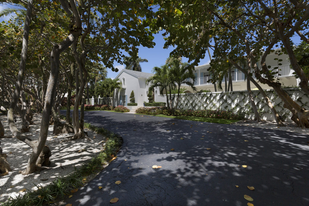 Bermuda Inspired Motor Court Pascal Liguori And Son Luxury Real Estate Broker Associates Delray Beach Manalapan Gulf Stream Ocean Ridge Luxury Homes
