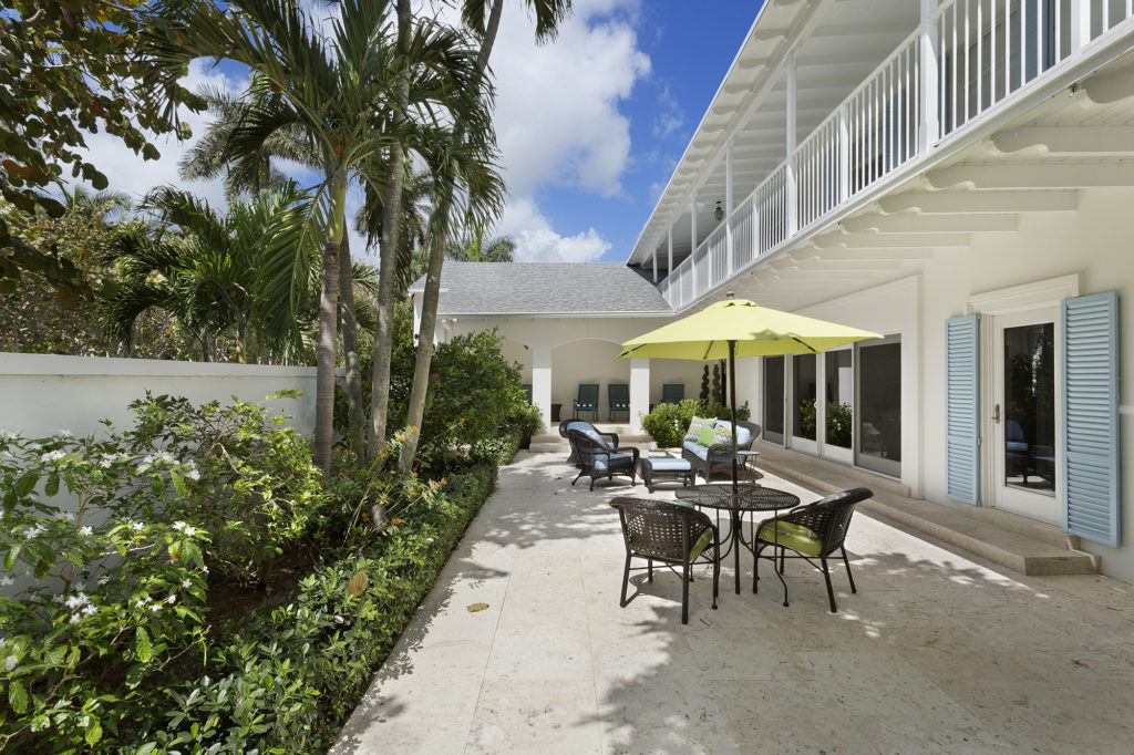 Outdoor Living Space Bermuda Inspired Pascal Liguori And Son Luxury Real Estate Broker Associates Delray Beach Manalapan Gulf Stream Ocean Ridge Luxury Homes